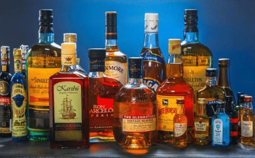 Pakar: Konsumsi Alkohol Berlebih Tingkatkan Risiko Terinfeksi Covid-19