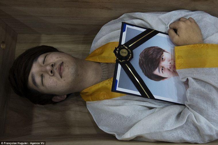 """Viral Atas Kasus Bunuh Diri, Korea Selatan Bikin Trend """"Sekolah Kematian"""""""